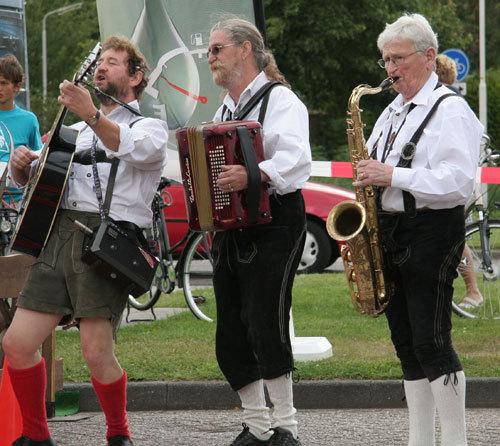Tiroler ensemble Drei Lederhosen