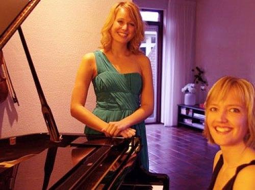 Acoustic Ladies
