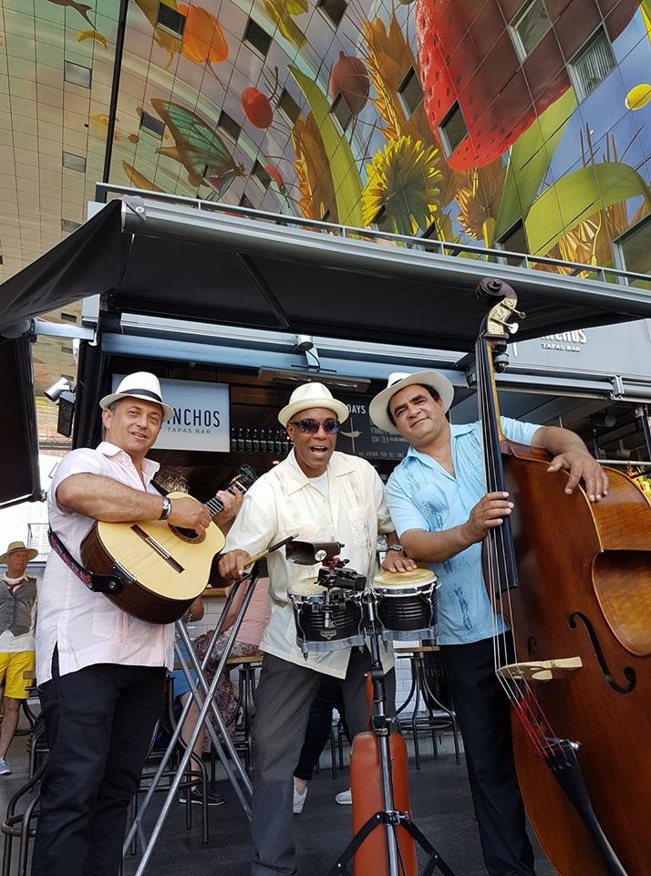 Cuban trio speelt tijdens Stadsfestival te Rotterdam